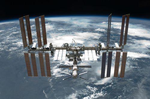 Foto realizada desde el Transbordador espacial Endeavour en su misión STS-134
