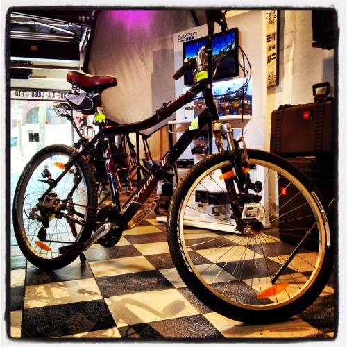 ¿Cuantos gadgets ves en esta bicicleta?