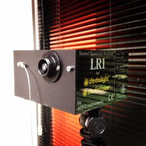 Espectrómetro LR1, testado por Dedolight
