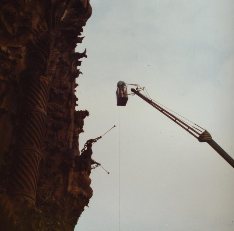 1987, Tomàs Pladevall rodando en una cesta a 70 metros de altura