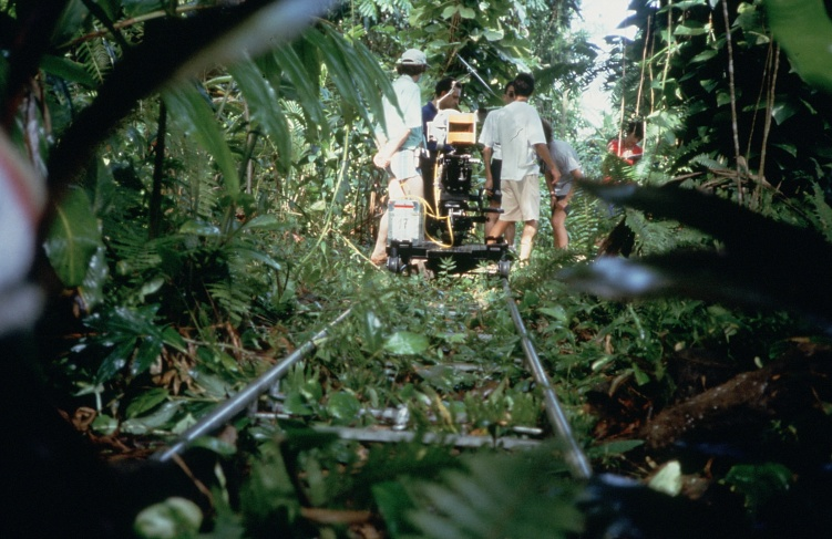 1991, el traveling tahitiano flotante