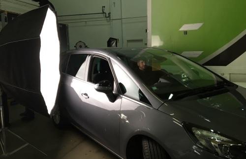 Carlos en una demo de LEDs con el Octa 5 de DoP Choice